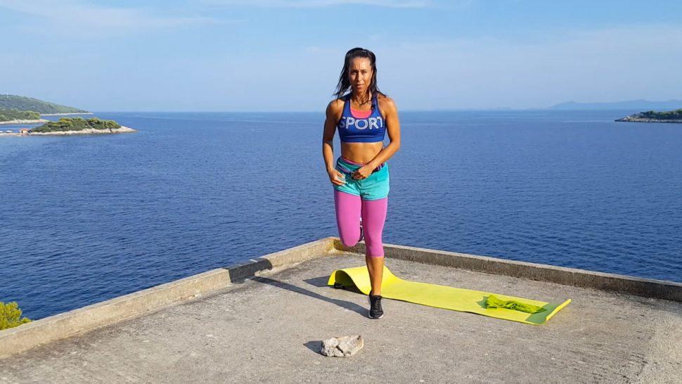 Trening_ogolnorozwojowy_power_workout_z_talerzem_i_kamieniem_2